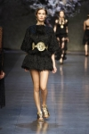 dolce-and-gabbana-spring-2014-collection-46-333x500_0