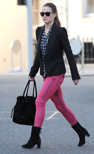 Pippa Middleton with her Aruna Seth Romana Bag