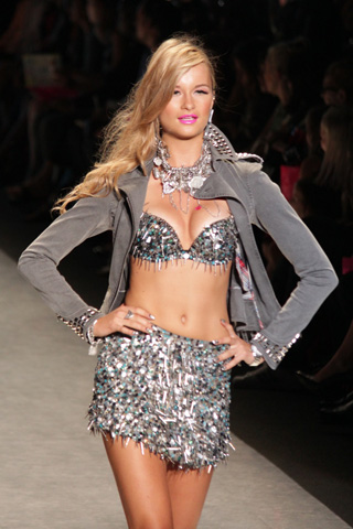 Betsey Johnson spring 2012 runway