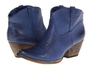 Super affordable VOLATILE Banjo western ankle boots in on trend navy are worth the color splurge