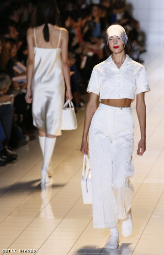 The late 80s boxy crop top looks fresh and is far less provocative than a belly baring top of recent seasons. Rochas spring 2013 is perfect inspiration