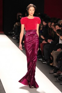 Hey, sophisticated ladies, this one is for you: Carolina Herrera Fall 2013 Runway Trends