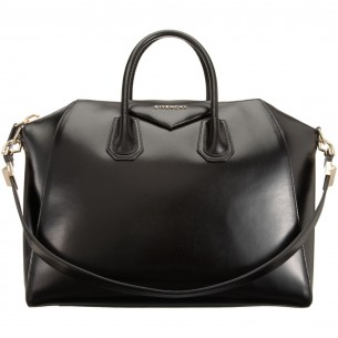 Givenchy large size Antigona bag in black nappa leather, as worn by Rihanna