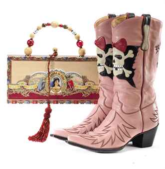 A PAIR OF PINK LEATHER ROCK ON COWBOY BOOTS AND A LA AROMA DE CUBA CIGAR BOX HANDBAG THE BOOTS LABELED 'LIBERTY BOOT CO.', THE HANDBAG BY 'ROBUSTO', BOTH LATE 20TH-EARLY 21ST CENTURY
