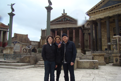"With my family on the Cinecittà set of the HBO series ""Rome"""