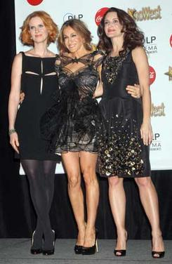 Sarah Jessica Parker, Cynthia Nixon, Kristin Davis strut their SATC2 fashion stuff at the Final Night Talent Awards at ShoWest 2010 in Las Vegas