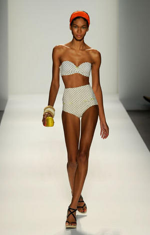 Rosa Cha - Swimwear Fashion Show