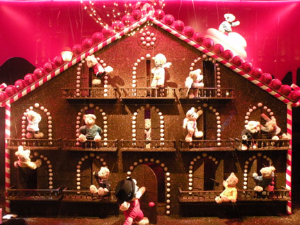 The gingerbread house at Galeries Layfayette Paris