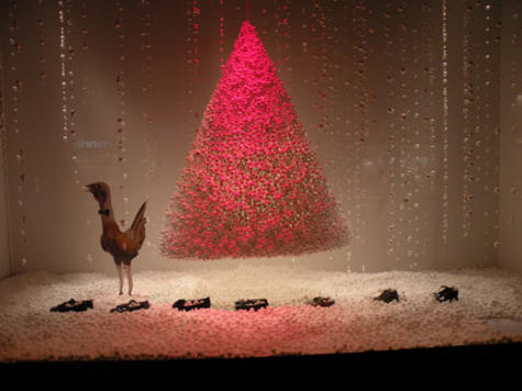 Le Bon Marche window with a whimsical hmage to the holiday turkey.
