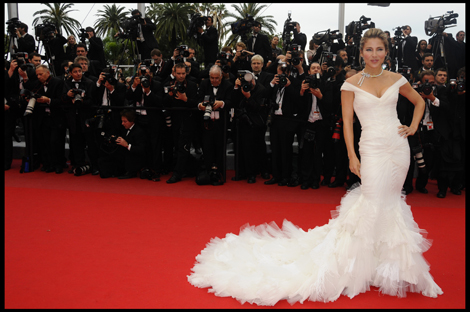 Spanish actress Elsa Pataky in Roberto Cavalli-- we love how ingenue fresh this gown loks on her!