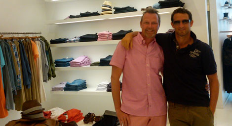 Brad & Rob sharing some retail therapy in the Hamptons