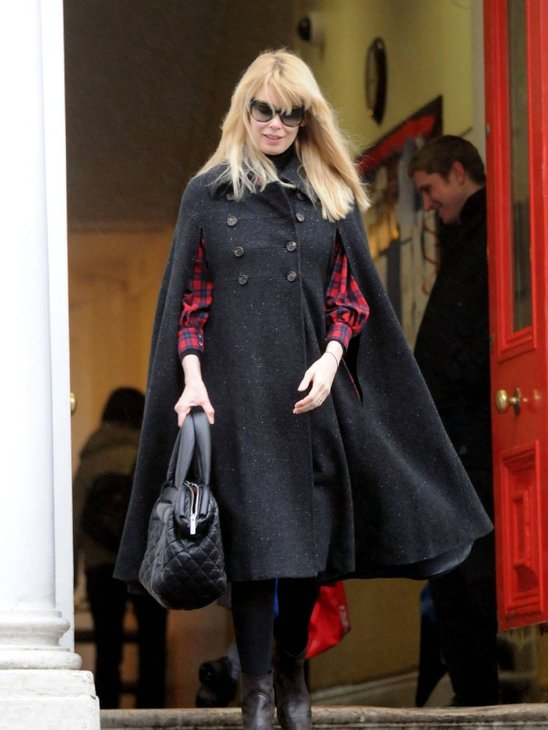 Claudia Schiffer looking very stylish while pregnant