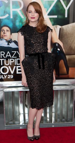 Emma Stone looking gorgeous in a black version of the Tom Ford lace dress.