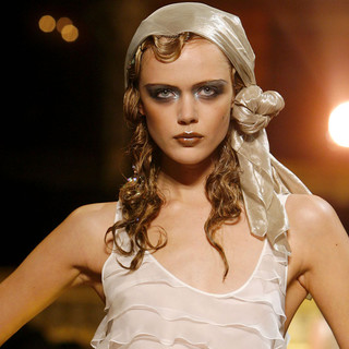 Extreme smokey eyes at Galliano