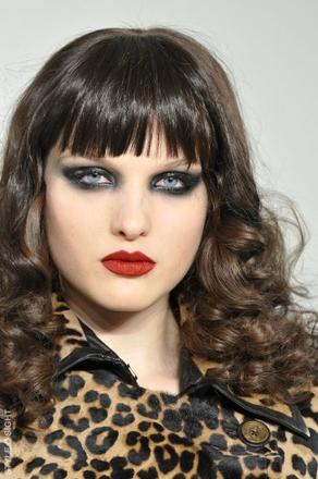 The Miss Cleo trend in beauty at L.A.M.B. for Fall 2010