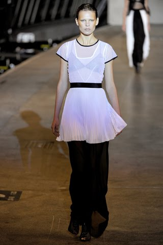 Richard Nicoll  Spring 2011 catwalk