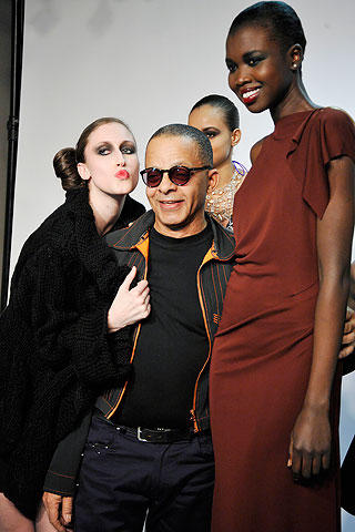 The designer Stephen Burrows with models