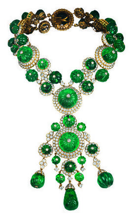 Necklace with pendant owned by Begum Aga KhanDesigned by Van Cleef & ArpelsParis, France, 1971Yellow gold, carved emeralds, diamondsVan Cleef & Arpels CollectionPhoto: Van Cleef & Arpels