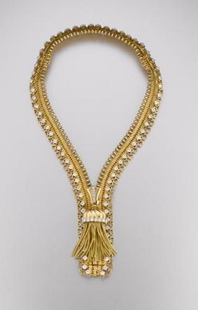Zip necklace/braceletDesigned by Van Cleef & ArpelsParis, France, 1952Yellow gold, diamondsCalifornia CollectionPhoto: Tino Hammid