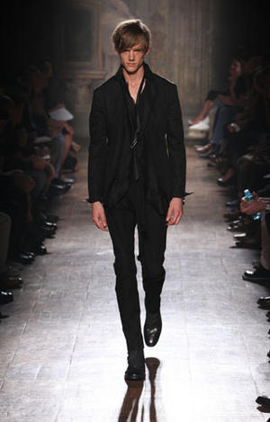 John Varvatos Fashion Show Photos | Spring 2011 | Milan Fashion Week Menswear
